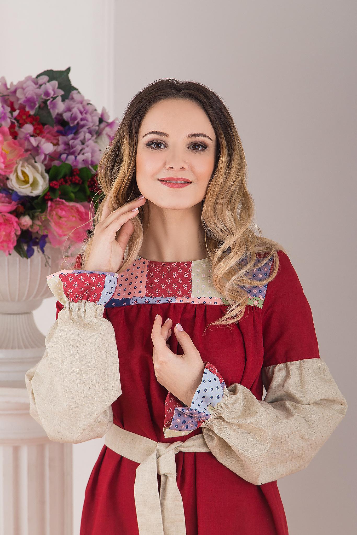 Традиционное платье льняное в пол Народное от Иванка приближенный фрагмент