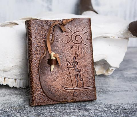 Кожаный блокнот  ручной работы «Цель Близка» с клыком (А6)
