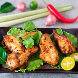 https://static-eu.insales.ru/images/products/1/7956/63733524/compact_tom_yum_chicken_wings.jpg