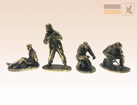 набор солдатиков Советские разведчики 4 шт.