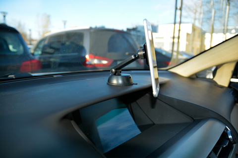Автомобильный магнитный держатель AXPER Magic Dash