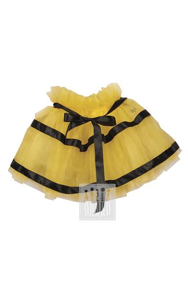 Юбка Пчелки изготовлена из четырех слоев желтой сетки, верхний слой украшен черными лентами, имитирующими контрастный окрас этого насекомого.