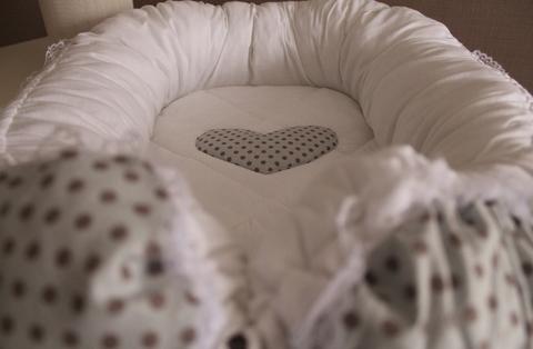Babynest, гнездышко, кокон для младенца - серый в горох