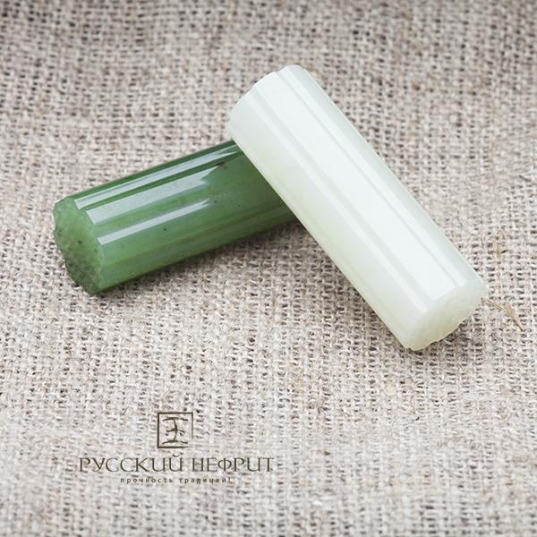 Вставки из зелёного и белого нефрита. Колонна