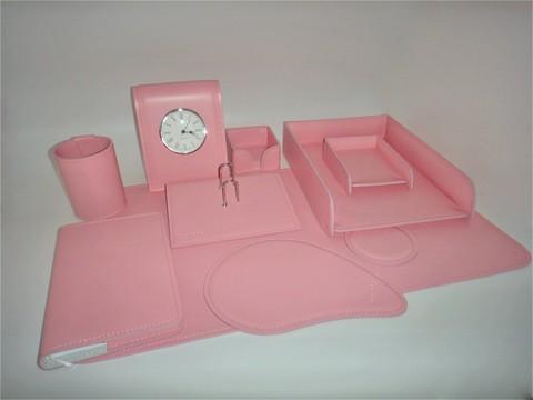 Набор на стол руководителя из итальянской розовой кожи Cuoietto.