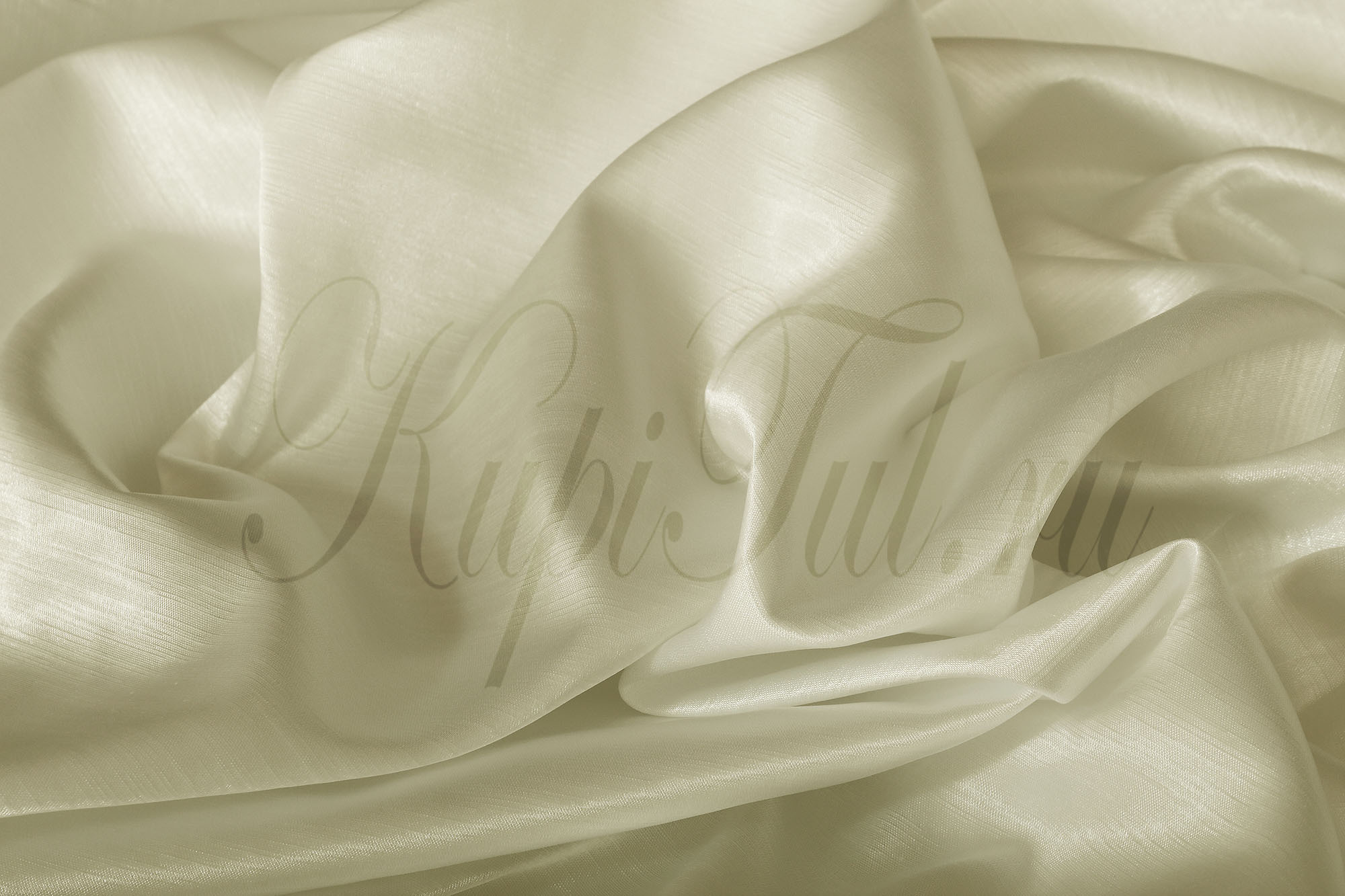 Leonardo (Молочный), Шторы из однотонного шик-сатена.
