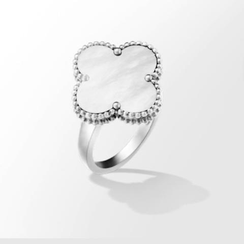 Кольцо Trendy из серебра с перламутром
