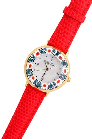 Часы на красном кожаном ремешке с бело-синим циферблатом