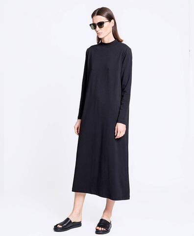 Платье с горлом черное