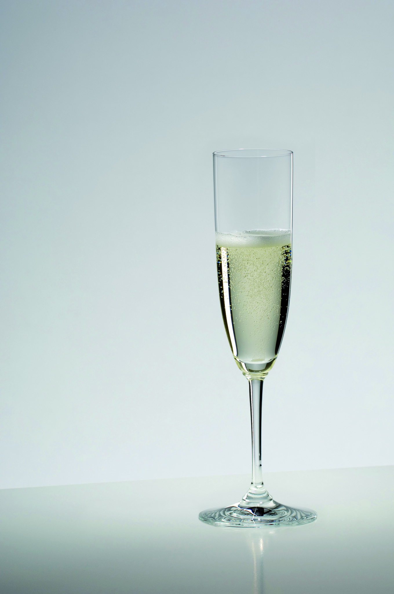 Бокалы Набор бокалов для шампанского 2шт 160мл Riedel Vinum Champagne Glass nabor-bokalov-dlya-shampanskogo-2-sht-160-ml-riedel-vinum-champagne-glass-avstriya.jpg