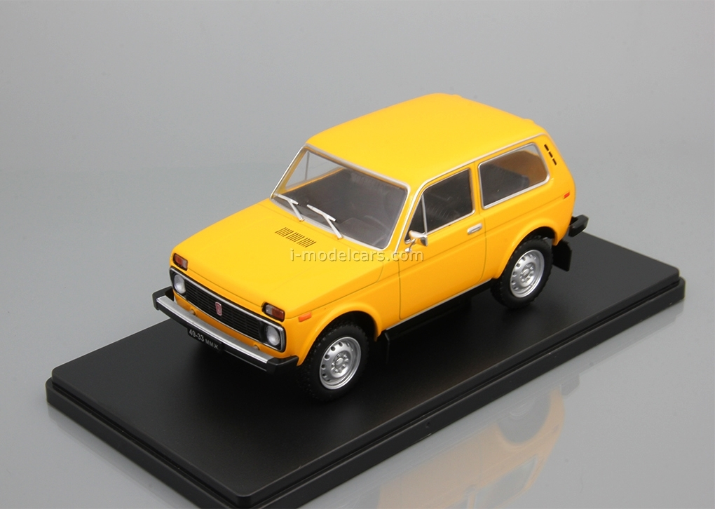 VAZ-2121 Niva yellow 1:24 Legendary Soviet cars Hachette #5