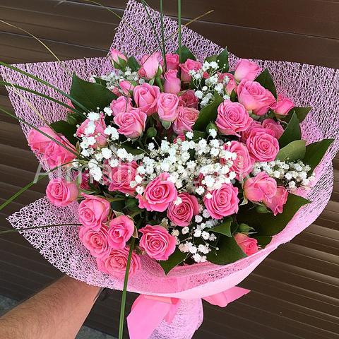 Букет из кустовых роз (розовые)