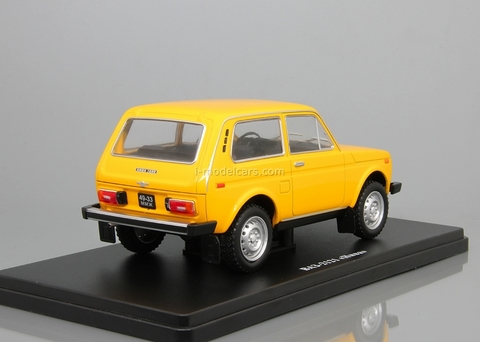 VAZ-2121 Niva yellow 1:24 Legendary Soviet cars Hachette #5