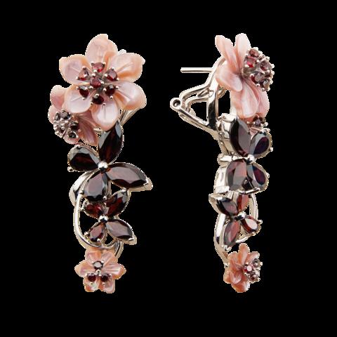 Серьги с цветами из розового перламутра и гранатом