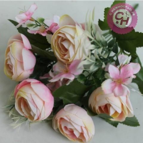 Камелии искусственные с цветочной добавкой, букет 7 веток, 30 см.