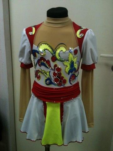 Платье со стразами, рост 122-128 см (белый+красный)