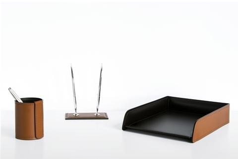 На фото набор руководителя 3 предмета кожа Cuoietto цвет табак/темно-коричневый шоколад.