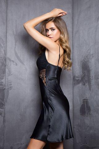 Платье домашнее женское полуприталенного силуэта из однотонного сатина на регулируемых бретелях фото