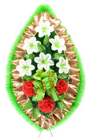 Венок украшенный цветами колокольчика и хризантем