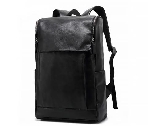 Мужской вместительный рюкзак из кожи черного цвета