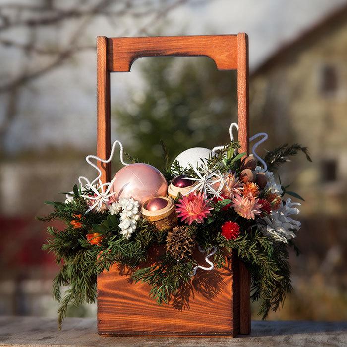 Новогодняя композиция подарок декор с сухоцветами заказать в Перми