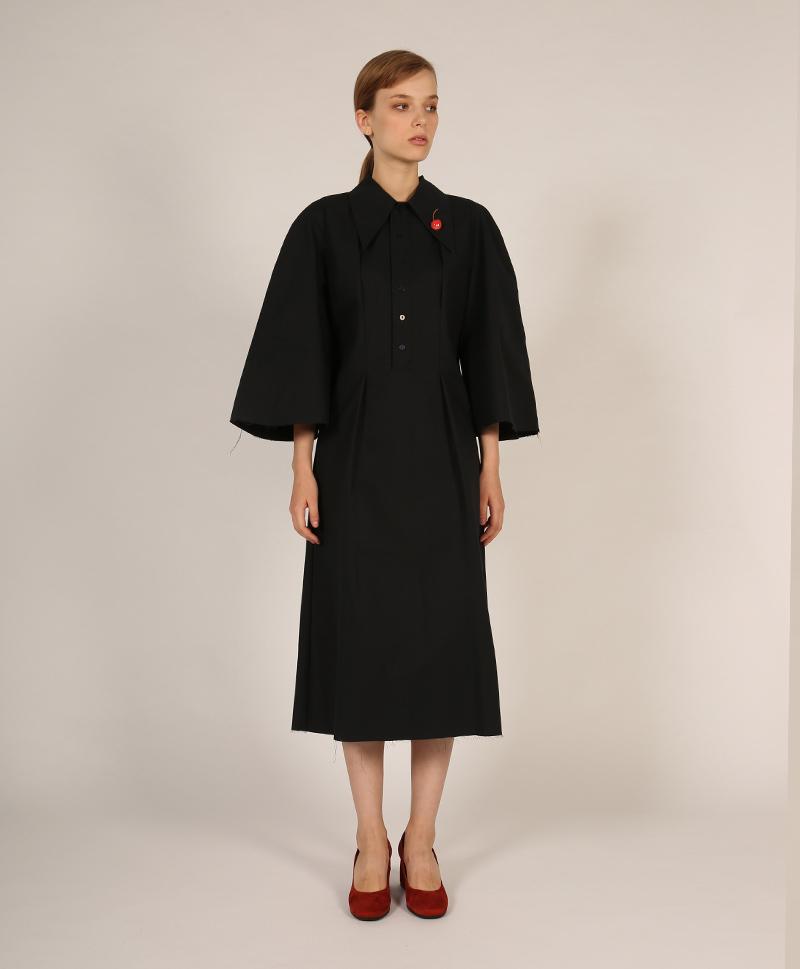 Платье с острым воротником тёмно-синее
