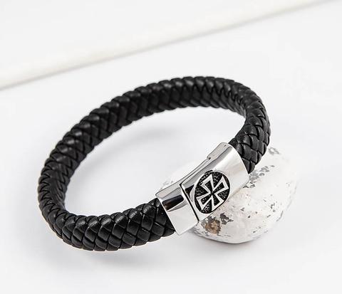 Плетеный мусжкой браслет с мальтийским крестом