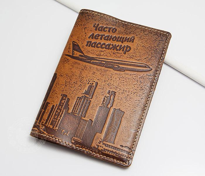 BY14-29-07 Кожаная бложка для паспорта «Часто Летающий Пассажир» фото 02