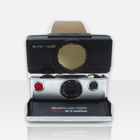 Polaroid SX-70 Time-Zero AutoFocus (by MiNT)