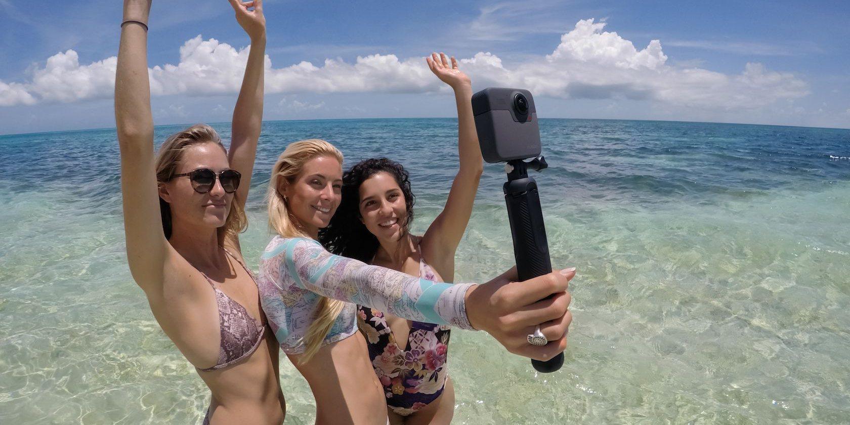 Панорамная камера GoPro Fusion 360 (CHDHZ-103) девушки
