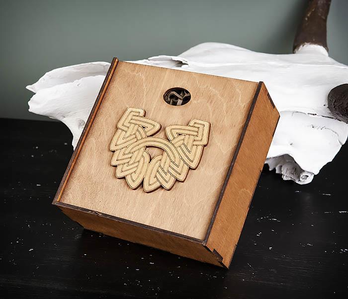 BOX218-2 Фирменная подарочная коробка коричневого цвета (17*17*7 см) фото 03