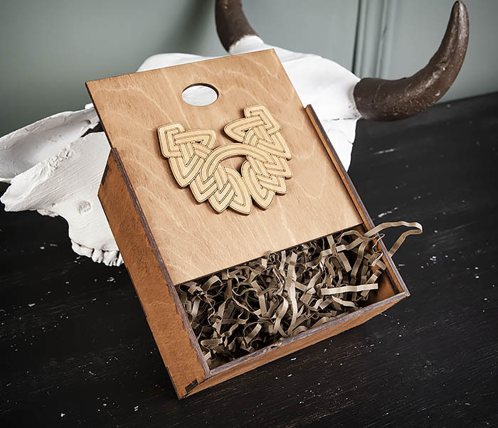 BOX218-2 Фирменная подарочная коробка коричневого цвета (17*17*7 см) фото 05