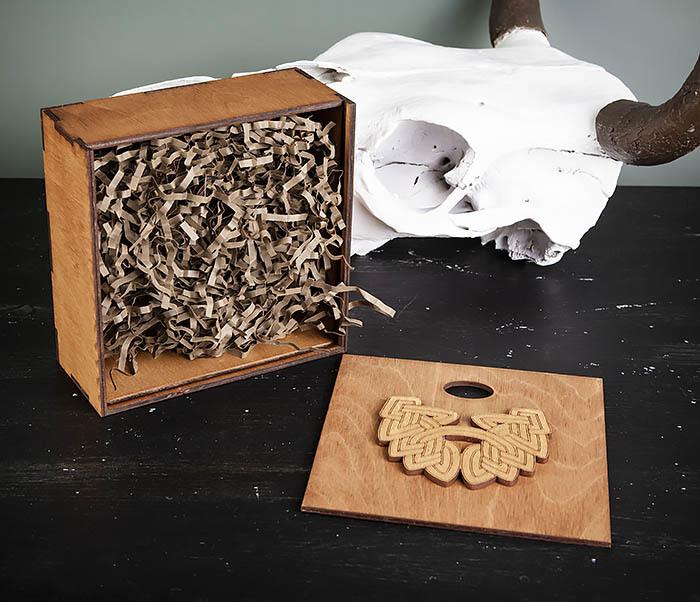 BOX218-2 Фирменная подарочная коробка коричневого цвета (17*17*7 см) фото 06