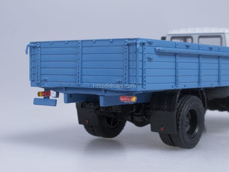 GAZ-3307 wooden board engine ZMZ-513 gray-blue AutoHistory 1:43