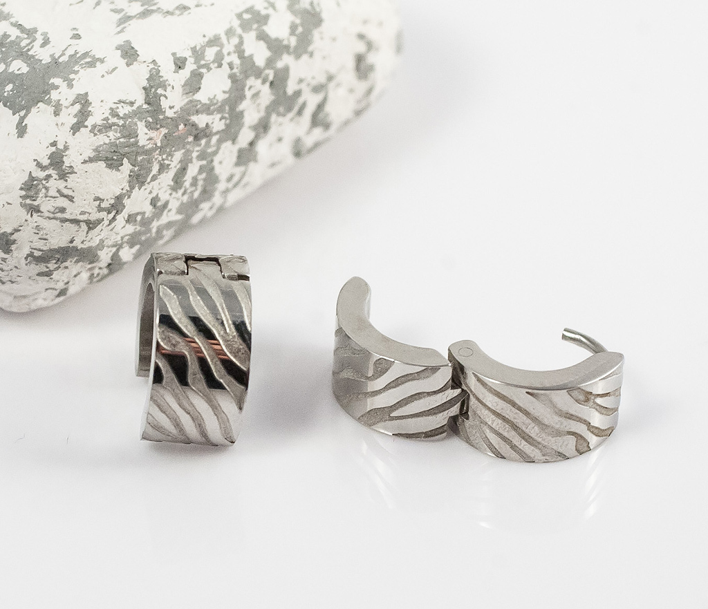 SE2715 Стальные мужские серьги кольца с гравировкой, «Spikes» фото 03