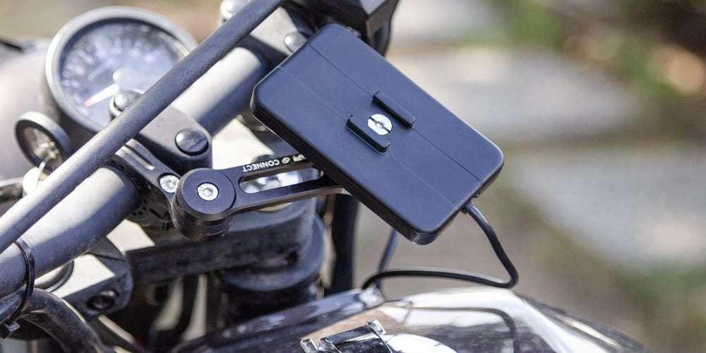 Модуль беспроводной зарядки SP Connect Wireless Charging Module на руле