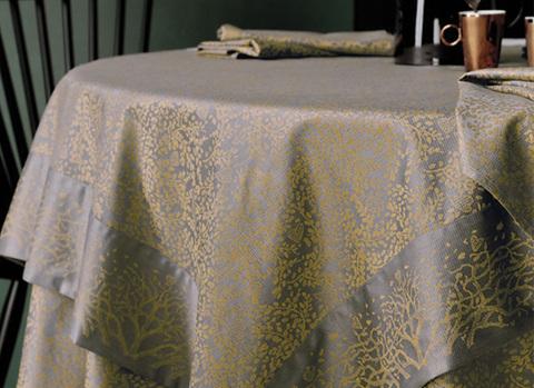 Скатерть и комплект салфеток Blanc des Vosges Arbre cannelle