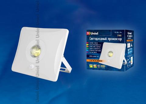 ULF-F31-10W/DW SENSOR IP65 100-265В WHITE Прожектор светодиодный с датчиком движения. Дневной белый. Корпус белый. Упаковка картон. TM Uniel.