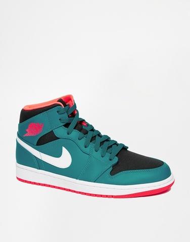 Средние кроссовки Nike Air Jordan 1