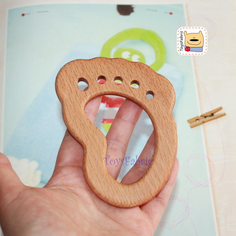 Грызунок деревянный (бук) 10,5х7,5см Стопа ГР05
