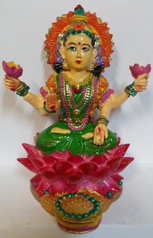 Статуэтка Лакшми на лотосе - Богиня изобилия, удачи и счастья, полистоун 9,5 см