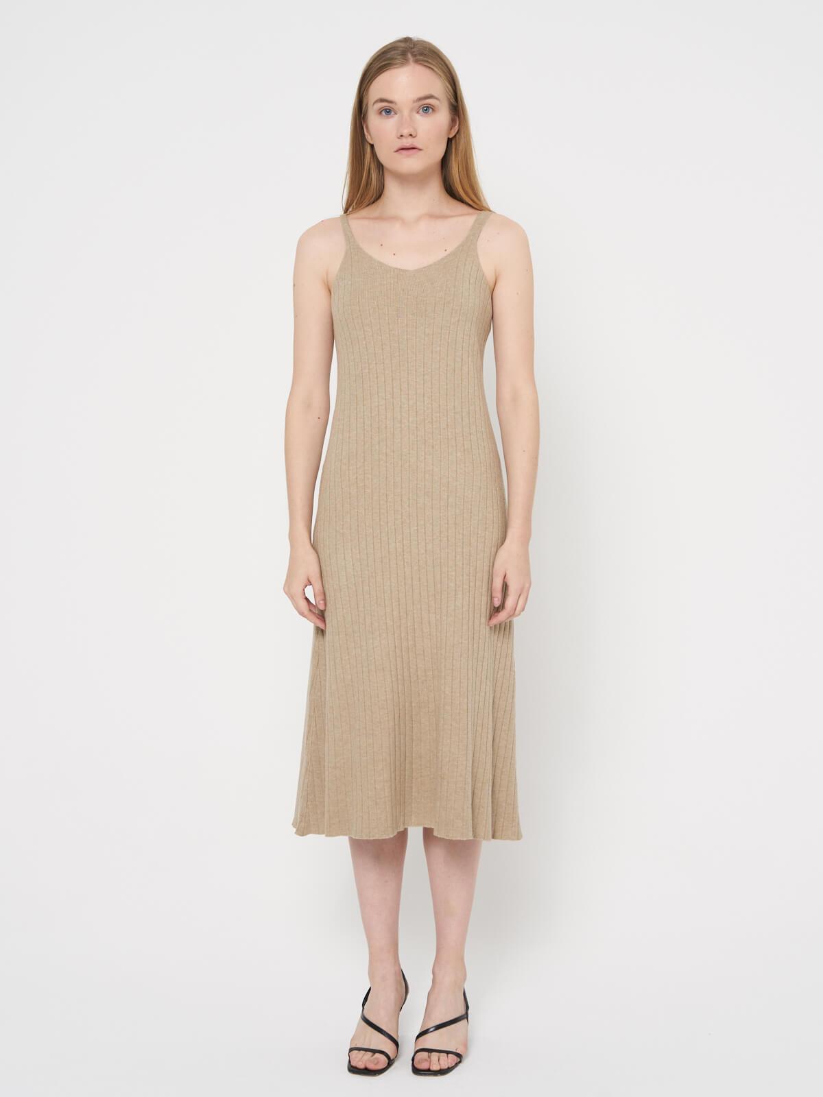 Платье трикотажное на бретелях