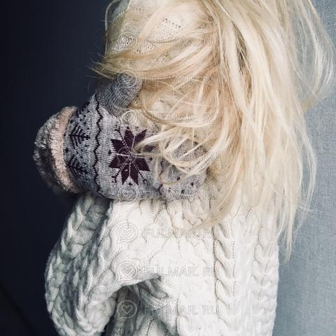 Варежки шерстяные вязаные со снежинками (цвет: светло-коричневый)