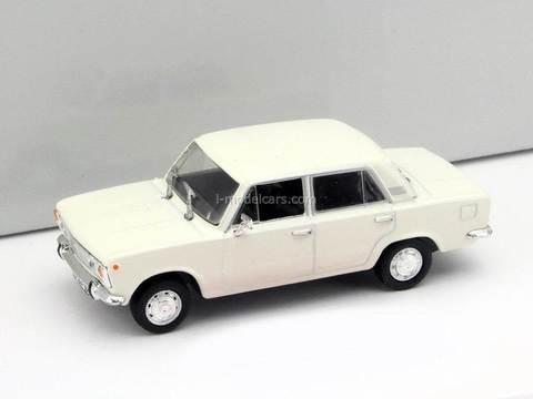Fiat 125P white 1:43 DeAgostini Kultowe Auta PRL-u #12