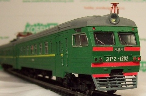11X01 Модель Электропоезда ЭР2 (4 вагона), НО, с двигателем
