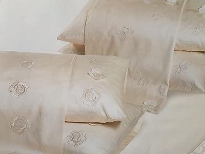Комплекты Постельное белье 2 спальное евро Caleffi Roseto с вышивкой postelnoe-belie-2-spalnoe-evro-caleffi-roseto-beloe-italiya.jpg