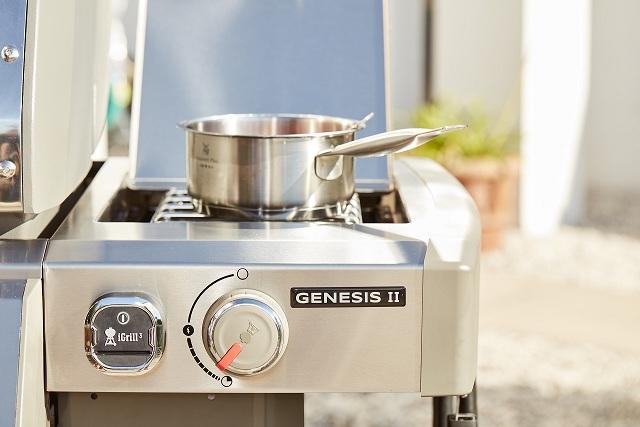 Гриль газовый GENESIS II  EP-435 GBS, черный.