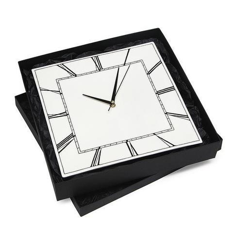 Часы настенные квадратные CLASSIC SQUARE