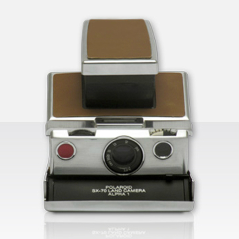 Polaroid SX-70 Alpha 1 (by MiNT)