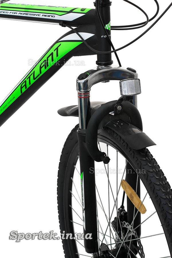 Амортизационная вилка и V-brake тормоз горного мужского велосипеда Formula Atlant DD 2015 (Формула Атлант)
